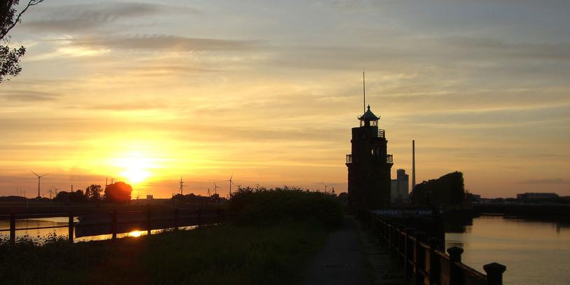Molenfeuer bei Sonnenuntergang