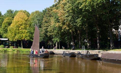 Torfkähne liegen im Torfhafen in Findorff.