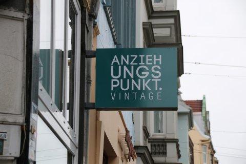 Reklame vom Secondhandladen Anziehungspunkt Vintage; Quelle:Katharina Bünn