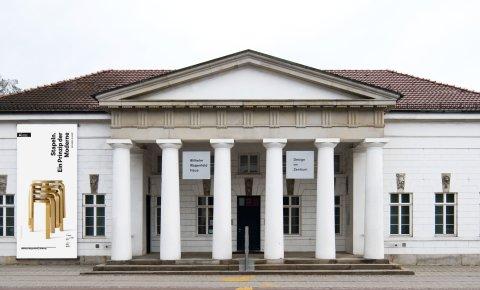 Wilhelm Wagenfeld Haus. Das schöne Museum in weiß.