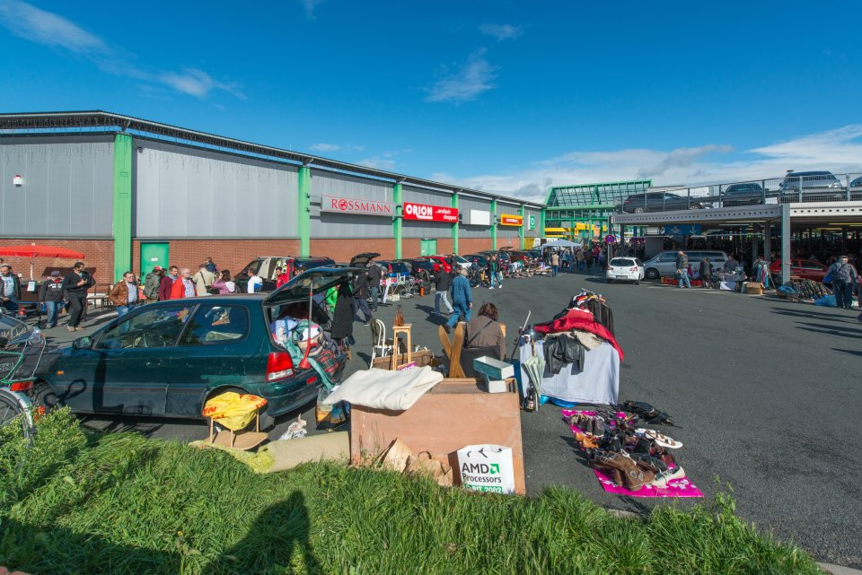 Blick auf den Flohmarkt am Hansa-Carré