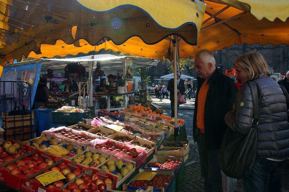 Ein Obststand auf dem Bremer Wochenmarkt